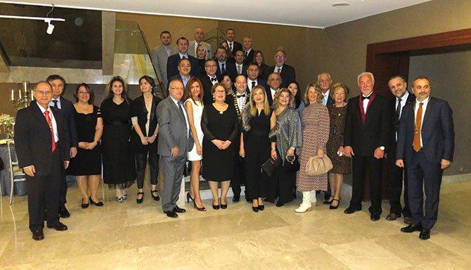 Marmara Skal'da başkanlık zinciri törenle Melih Buluç'a verildi